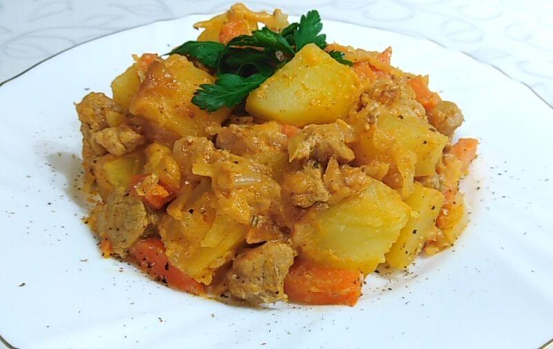 жаркое из свинины и картошки