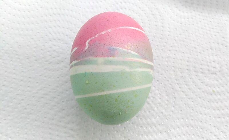 как красиво покрасить яйца пищевыми красителями