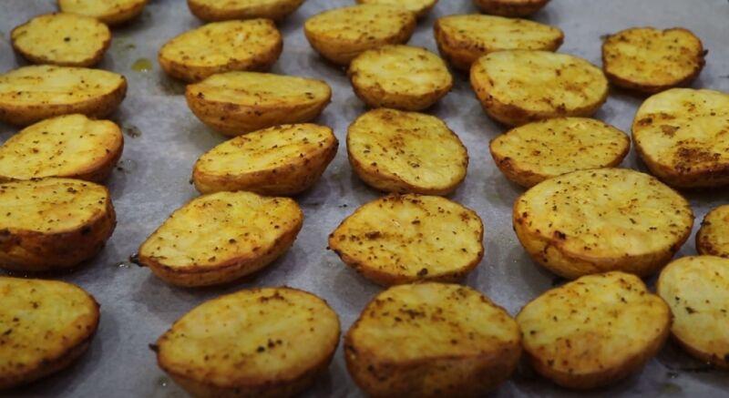 как запечь молодую картошку